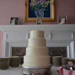 Manor Home Wedding: The Cake
