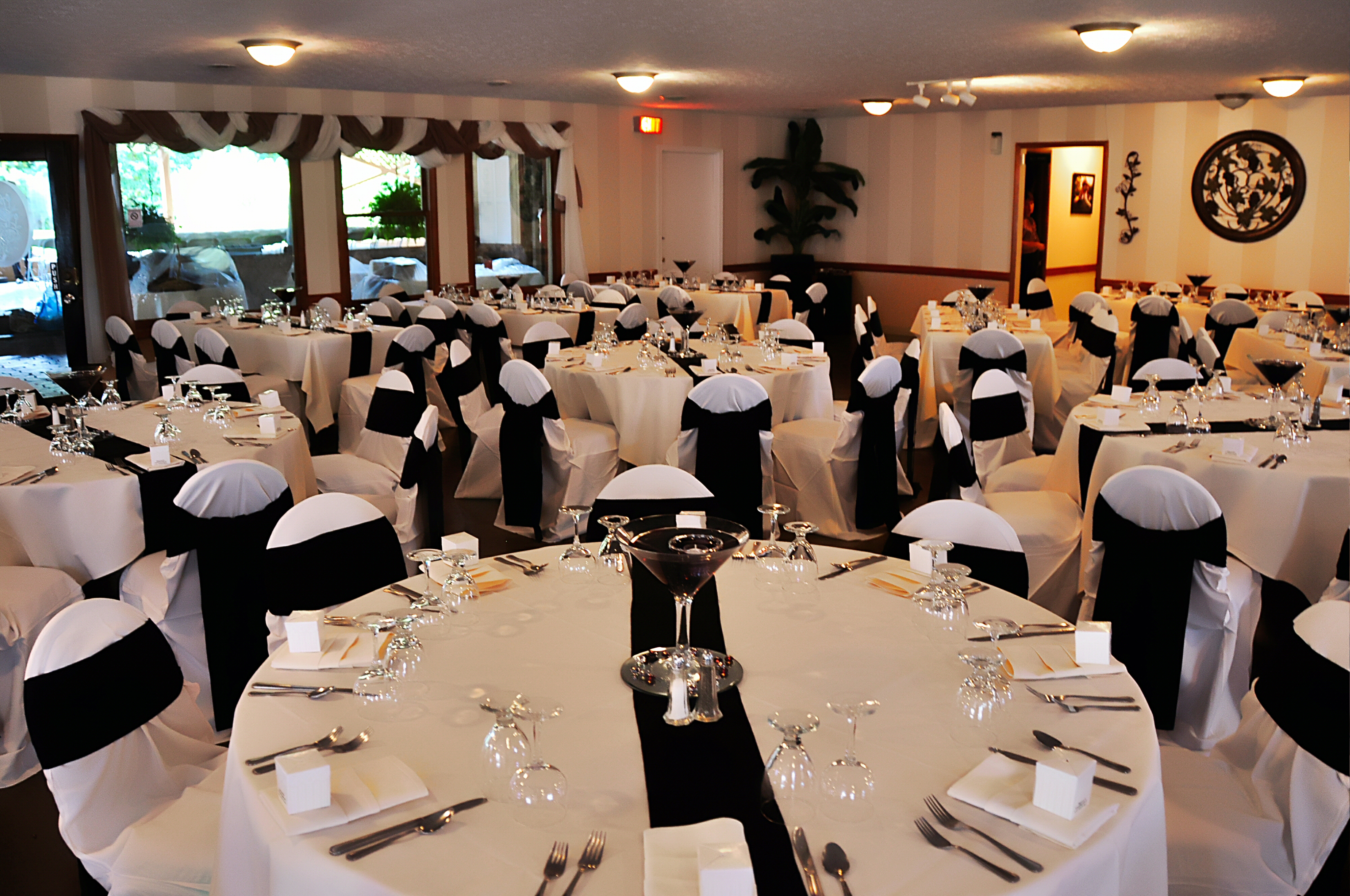 Black And White Reception A Classic Theme